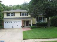 826 Windsor Dr Riverton NJ, 08077