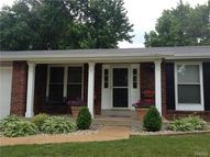 2746 Mountain Top Drive Saint Louis MO, 63129