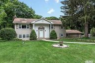 8 Northfield Dr Fort Salonga NY, 11768