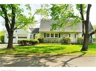 122 Russell Ave Suffield CT, 06078