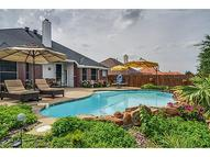 816 Lonesome Dove Trl Arlington TX, 76001