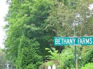 75 Country Lane Bethany CT, 06524