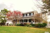 10 Ethan Allen Ct South Setauket NY, 11720