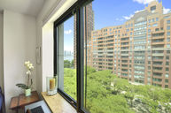 300 Rector Place - : 8h New York NY, 10280