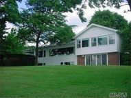 24 Sinclair Dr Great Neck NY, 11024
