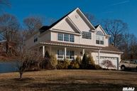 15 Beechwood Ct Lake Grove NY, 11755