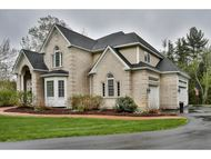 21 Esther Drive Bedford NH, 03110