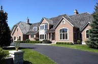 9724 N Columbia Dr Mequon WI, 53092