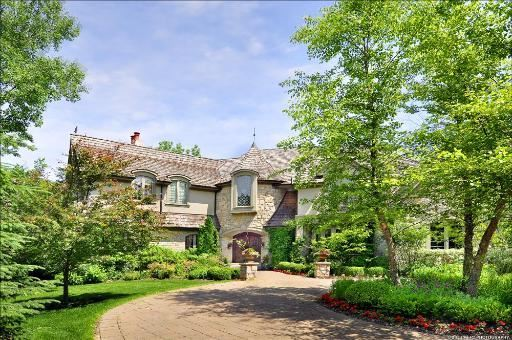 360 Belle Foret Drive Lake Bluff IL, 60044