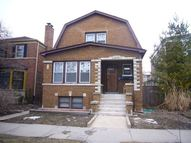 2734 West Fitch Avenue Chicago IL, 60645