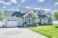 827 W Bay Dr West Islip NY, 11795