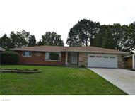 610 Parkview Dr Seven Hills OH, 44131