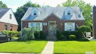 18 Fritchie Pl Valley Stream NY, 11580