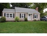 16 Ferncroft Rd Shrewsbury MA, 01545