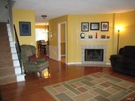 27 Crows Nest Lane 7a Danbury CT, 06810
