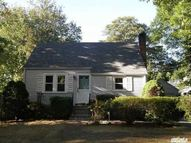 25 Magerus St Huntington Station NY, 11746