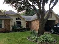 670 West Country Grove Cir Pearland TX, 77584