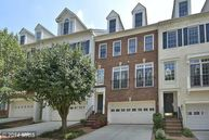 7447 Carriage Hills Drive Mclean VA, 22102