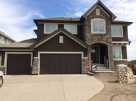 2 Rockcliff Heights Nw Calgary AB, T3G 0C7