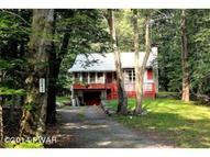 243 Maple Ln Greentown PA, 18426
