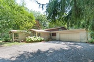 714 Ringland Road Riverwoods IL, 60015