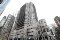 33 West Delaware Place 22a Chicago IL, 60610