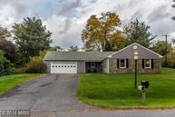 19501 Luhn St Poolesville MD, 20837