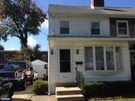 512 Winfield Ave Upper Darby PA, 19082
