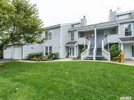 17 Lakeview Dr Manorville NY, 11949
