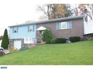 1001 Crestview Ave Reading PA, 19607