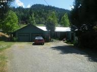 651 Se Third St Canyonville OR, 97417