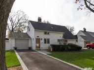 323 Red Maple South Dr Wantagh NY, 11793