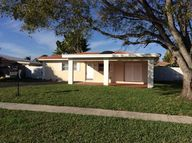 8207 Nw 73rd Ter Fort Lauderdale FL, 33321