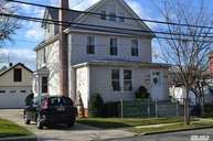 5 N 11th St #1 St New Hyde Park NY, 11040