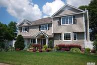 13 Andover Dr Deer Park NY, 11729