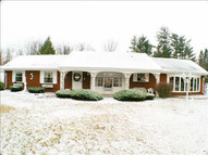 1443 Hampshire Dr Temperance MI, 48182