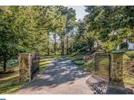 1417 Old Mill Ln Meadowbrook PA, 19046