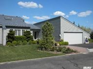 34 W Harbour Dr Blue Point NY, 11715