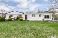 206 4th Ave Holtsville NY, 11742