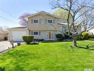 208 Dickman St Brentwood NY, 11717