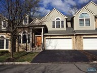4 Alpine Dr North Haledon NJ, 07508