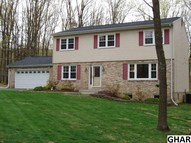 686 Valley View Boiling Springs PA, 17007