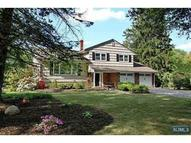 423 Woodbury Dr Wyckoff NJ, 07481