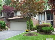 205 Northwood Ct Jericho NY, 11753