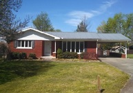 303 Penick Ave Greensburg KY, 42743