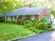 19 Stephen Dr Wading River NY, 11792