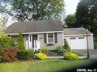 103 Sargent Ln Liverpool NY, 13088
