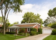 718 Terry Lane Countryside IL, 60525