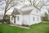 537 West Hawthorne Drive Round Lake Beach IL, 60073