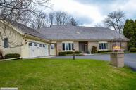 1260 E Donges Ct Bayside WI, 53217